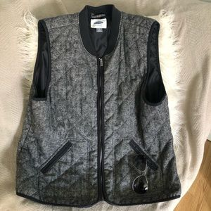 Jackets & Blazers - Old Navy Quilted Vest size XL